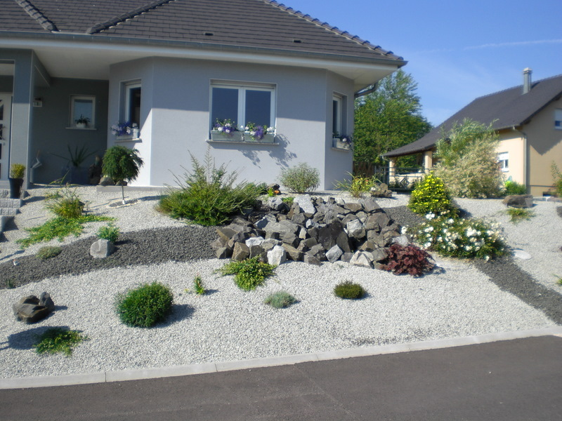 Amenagement Jardin Cailloux Blancs Le Specialiste De La Decoration
