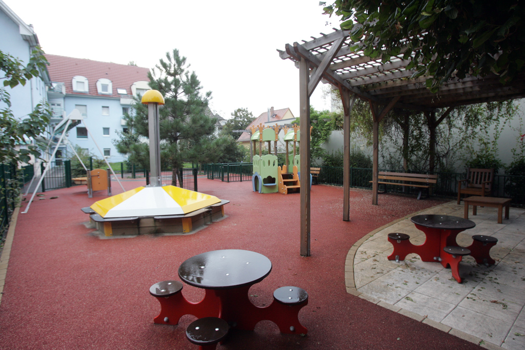 amenagement jardin creche