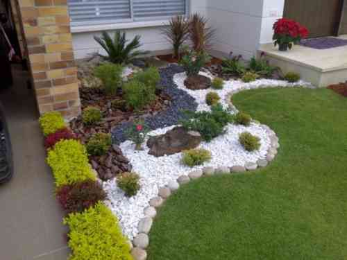 amenagement jardin galets blancs
