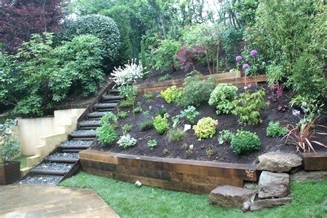 Amenagement jardin talus le sp cialiste de la d coration ext rieur - Amenagement d un jardin en pente ...