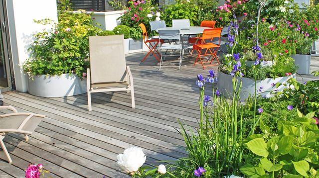 decoration terrasse fleurie