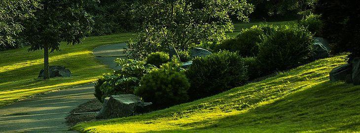 Idee Jardin En Pente Douce Le Specialiste De La Decoration Exterieur