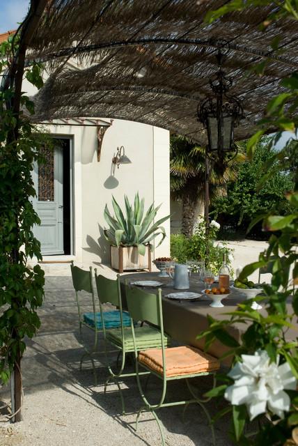 decoration terrasse mediterraneenne